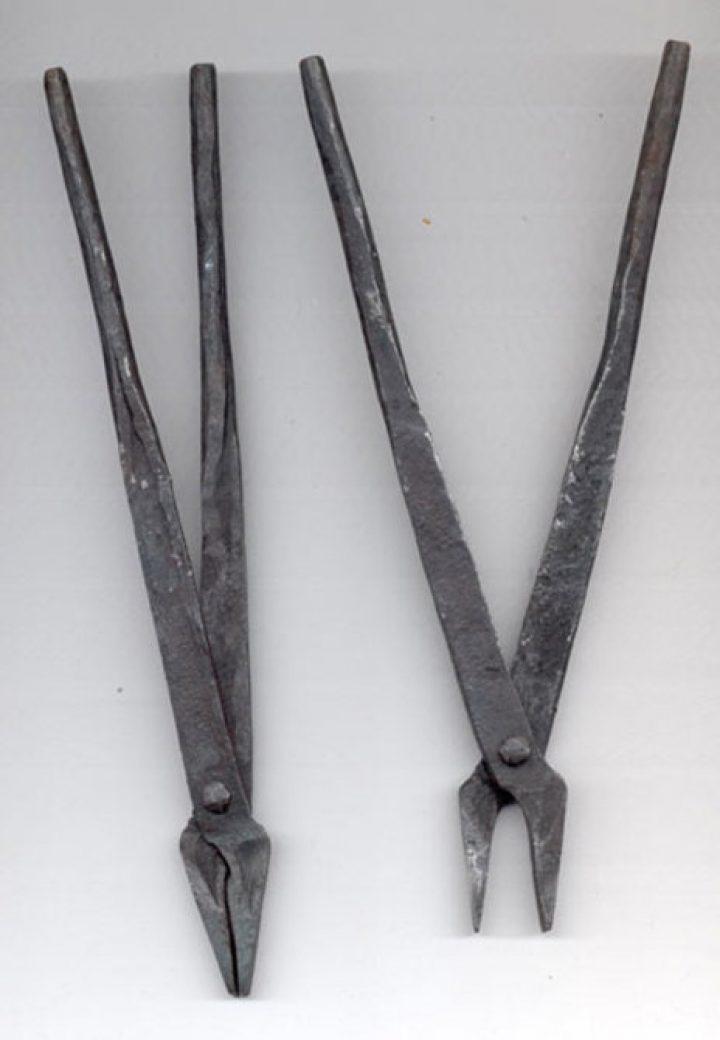 Maliënkolder Tangen, gesmeed, 2 stuks