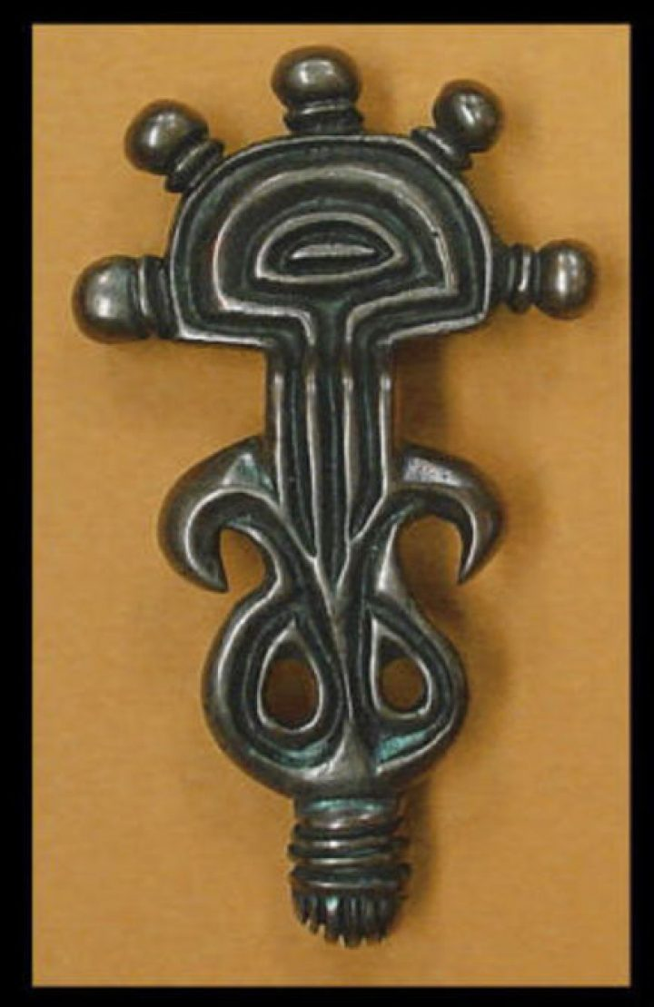 Viking Fibula Great Moravia 9e eeuws brons