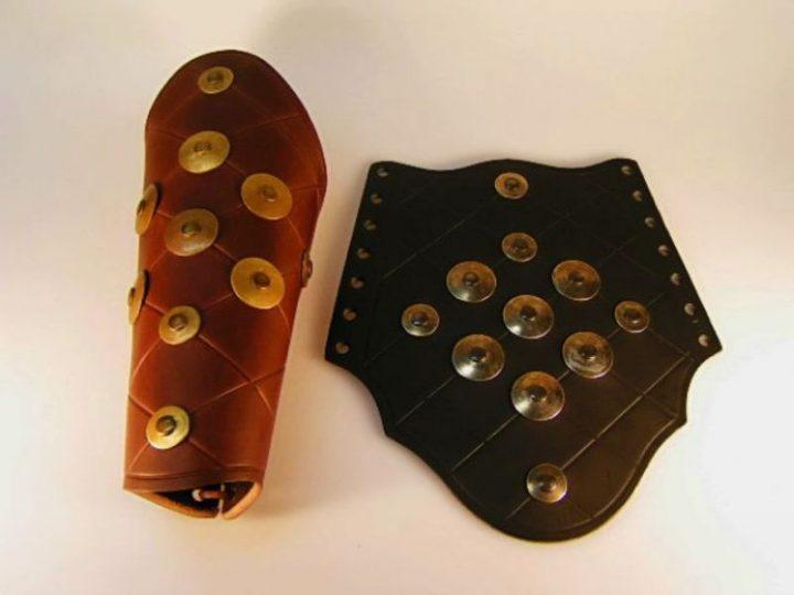 Polsbeschermer in bruin of zwart
