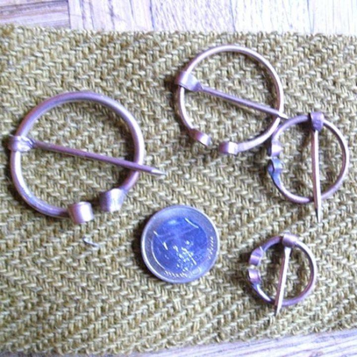 Bronzen Fibula diverse matgen