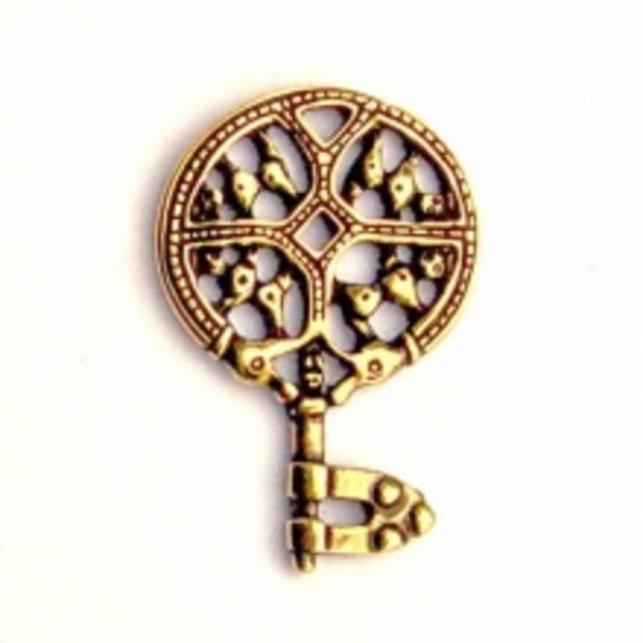 Viking Sleutel 9e eeuws messingkleur met koord
