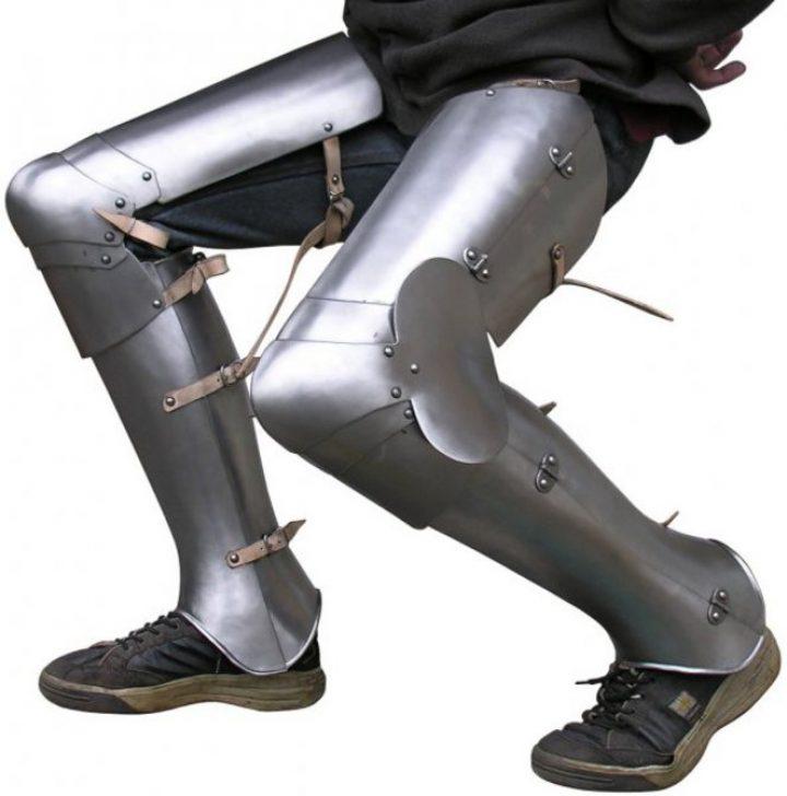 Gotische harnas benen