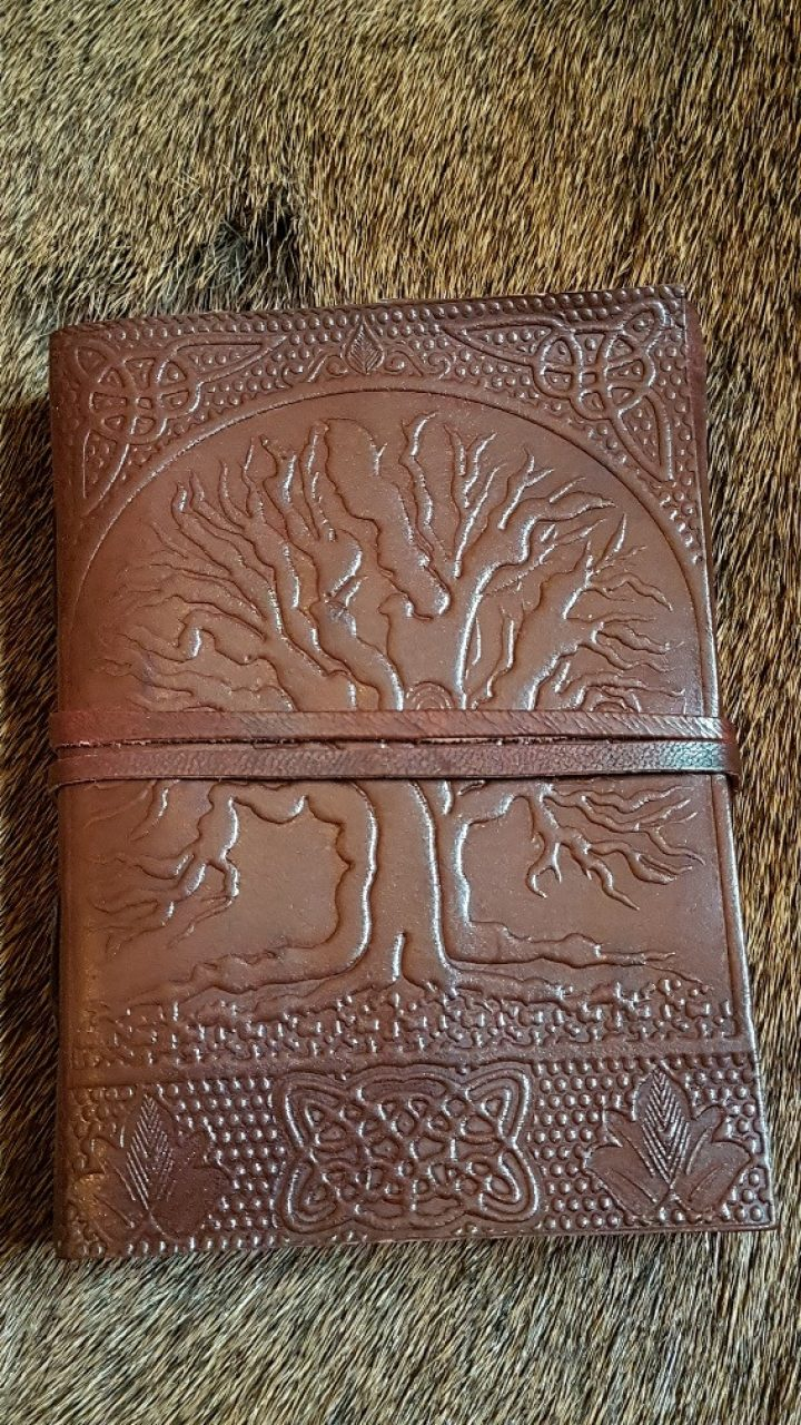 Mittelalter Lederbuch mit Lebensbaum Ygdrasil