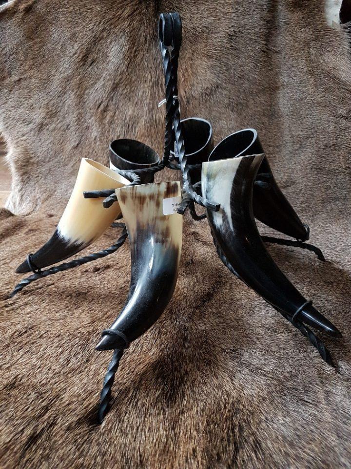 Drinkhoorn standaard met 6 drinkhoorns van 02.liter