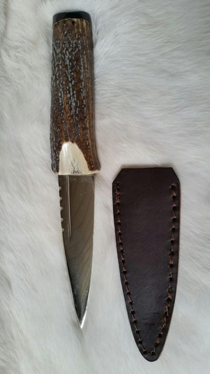 Hoornen mes met Schede