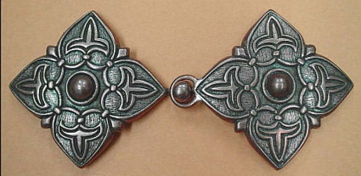 Viking Kaftan Sluiting Brons, 10e eeuws