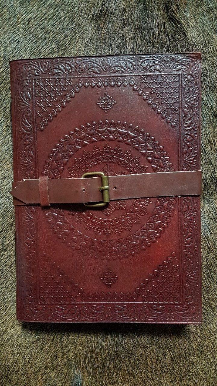 Notizbuch mit Ledereinband gross