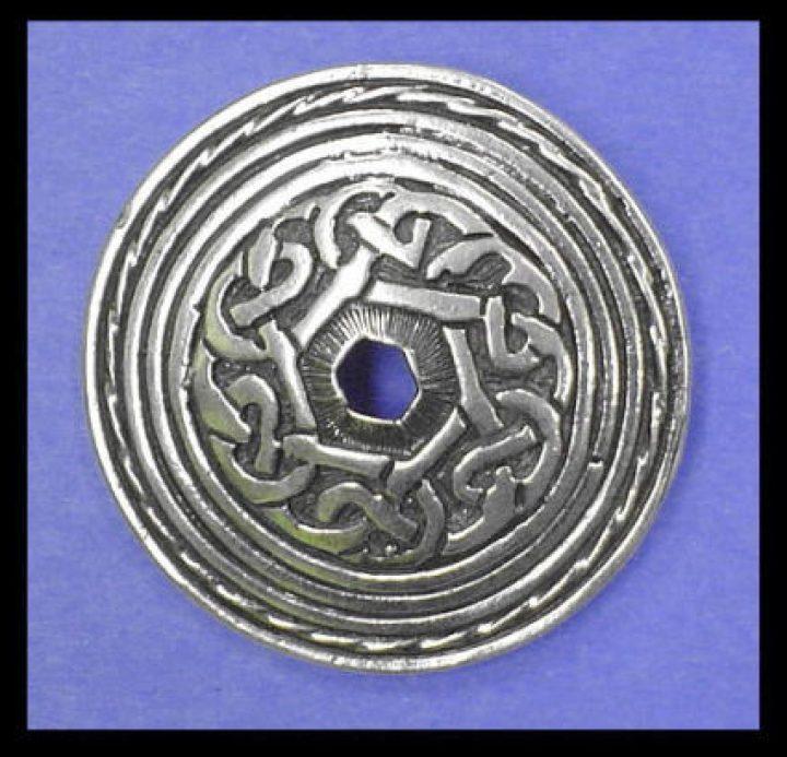 Keltische Fibula-Brosche in Brons