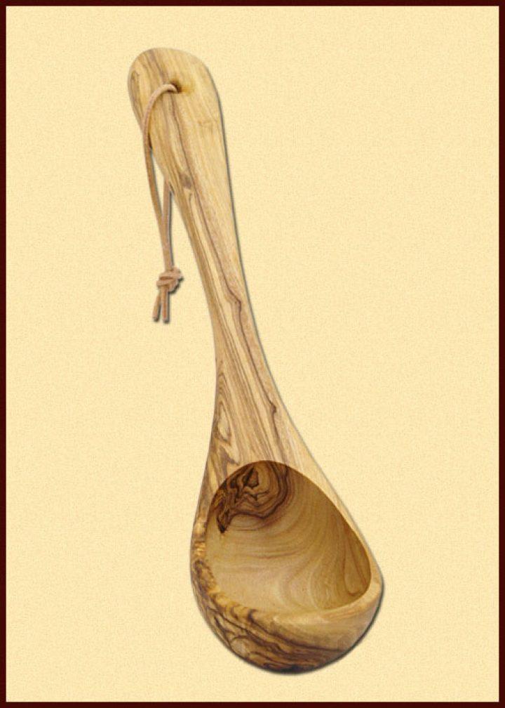 Schöpfkelle aus Olivenholz 26 cm lang
