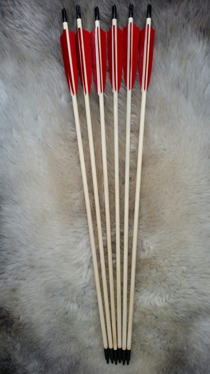 Pijlenset met 3 rode veren 28 Inch