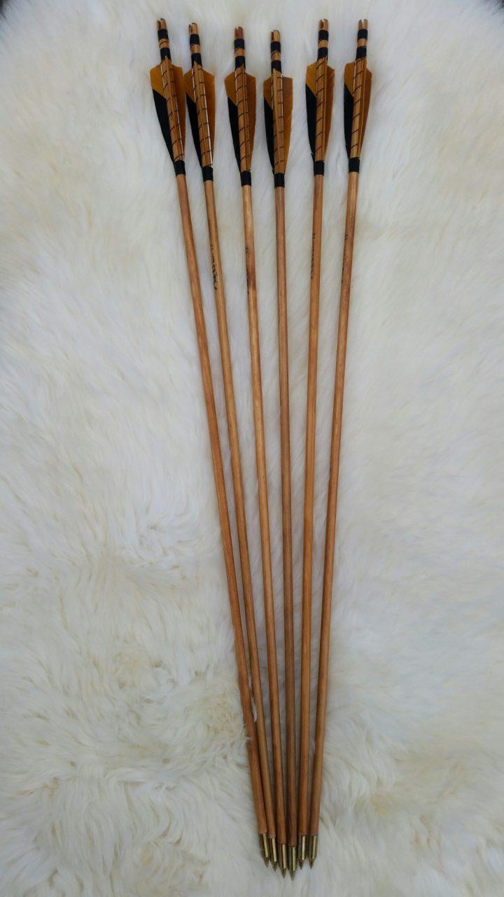 Pfeilen set mit 3 x braune feder mit Schwartzen insert 28 inch