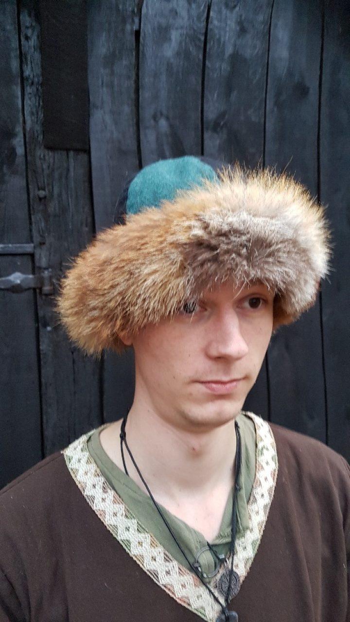 Wikinger Birka Mutze von Woll mit Tierfell mass