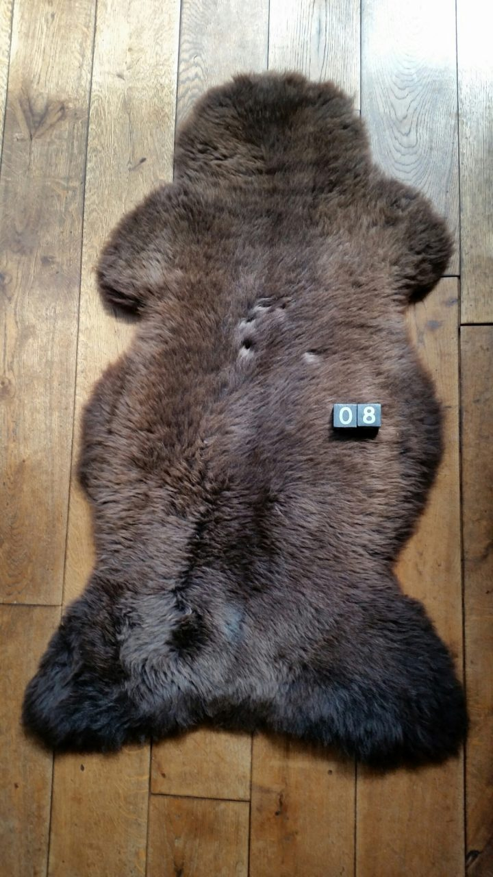 Schapenvacht Bruin +/- 125 x 65 cm