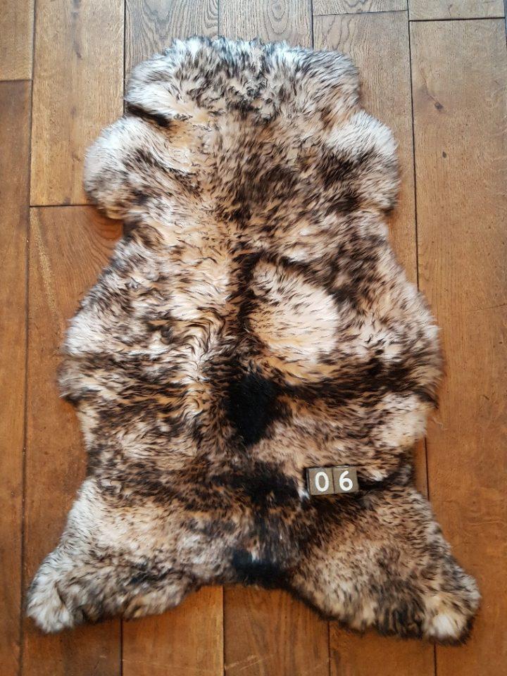 Schapenvacht Mouflon XXL +/- 105 x 65 cm