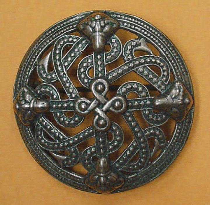Viking Fibula Scandinavisch 10e eeuws Brons