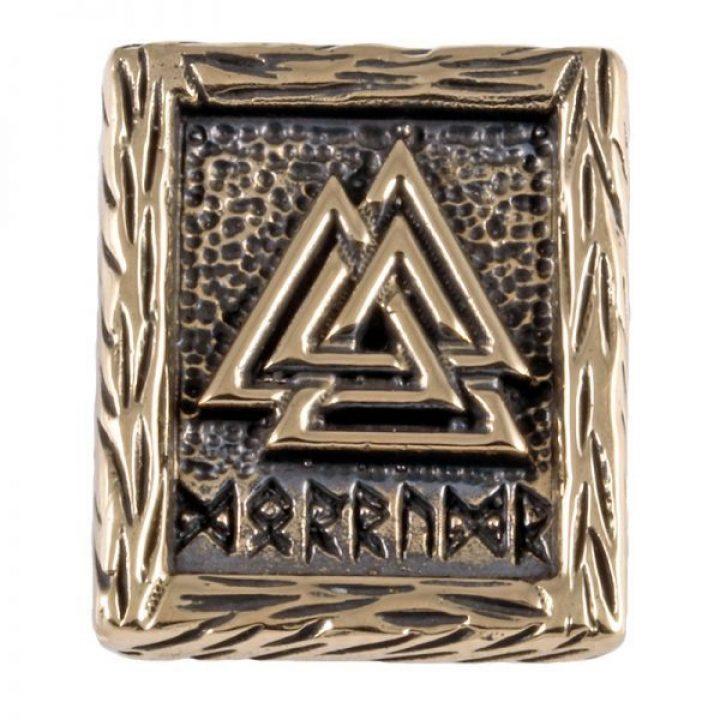 """Wikinger Täfelchen mit einem Valknut, die eingravierten Runen bedeuten """"Dorrudr"""" dies ist der altnordische Name Odins"""