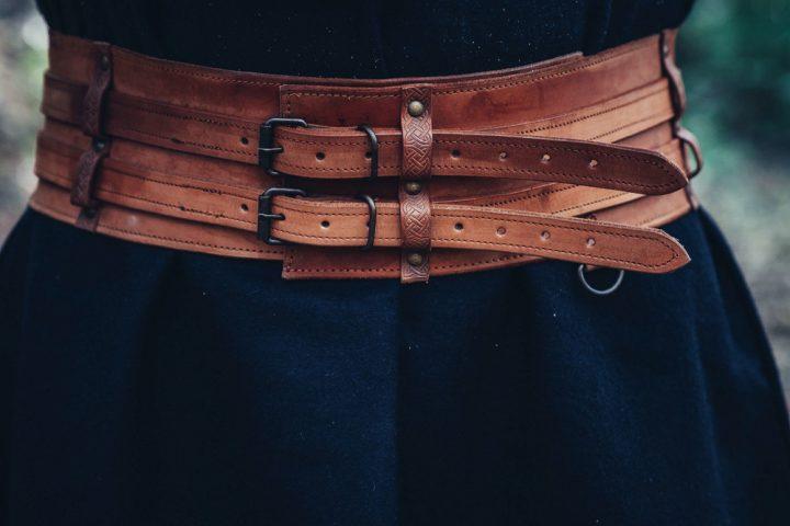 Viking Gordel in donkere Cognackleur Leder
