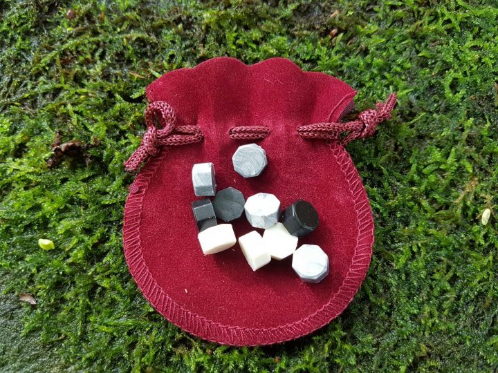 10 Siegellack-Tabletten in der Tasche.