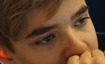 De invloed van een laag zelfbeeld bij jongeren en depressieve symptomen