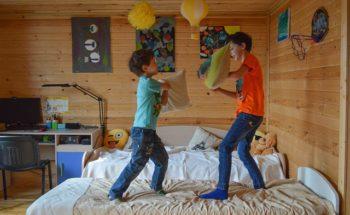 Coronamaatregelen maken jongeren angstiger en somberder