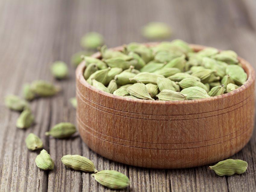 32 Scientific Health Benefits of Cardamom (#1 Top Indian's Secret of Healthy Life)