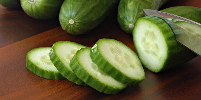 15 Benefits of Cucumber for Beauty Treatments (#1 Proven)