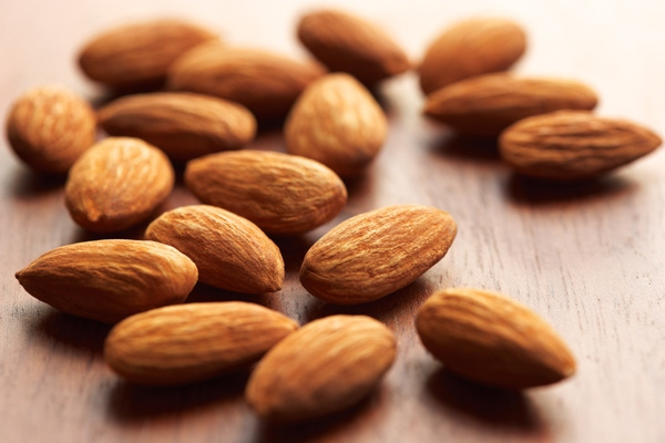 10 Health Benefits of Almonds for Weight Loss (#1 Healthy Fats)