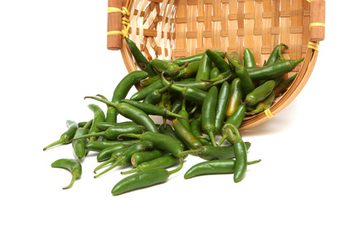 25 Health Benefits of Green Chili Peppers – Nutrition Facts