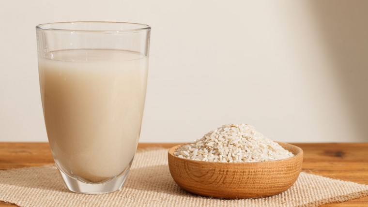 9 Proven Health Benefits of Homemade Rice Milk