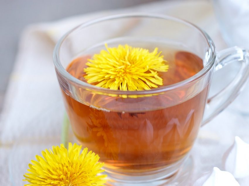8 Health Benefits of Drinking Dandelion Root Tea