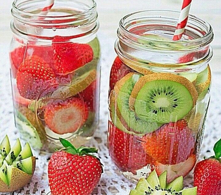 10 Health Benefits of Kiwi and Strawberry Infused Water