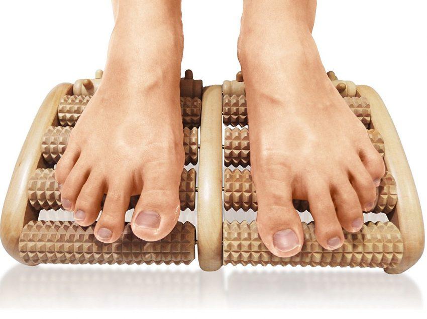 12 Health Benefits of Acupressure Wooden Foot Roller