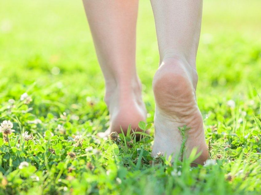 10 Health Benefits of Grounding Walking Barefoot for Your Health
