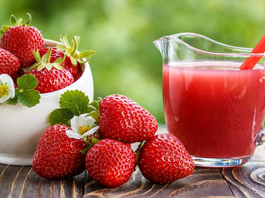 11 Proven Health Benefits of Strawberry Juice in Pregnancy