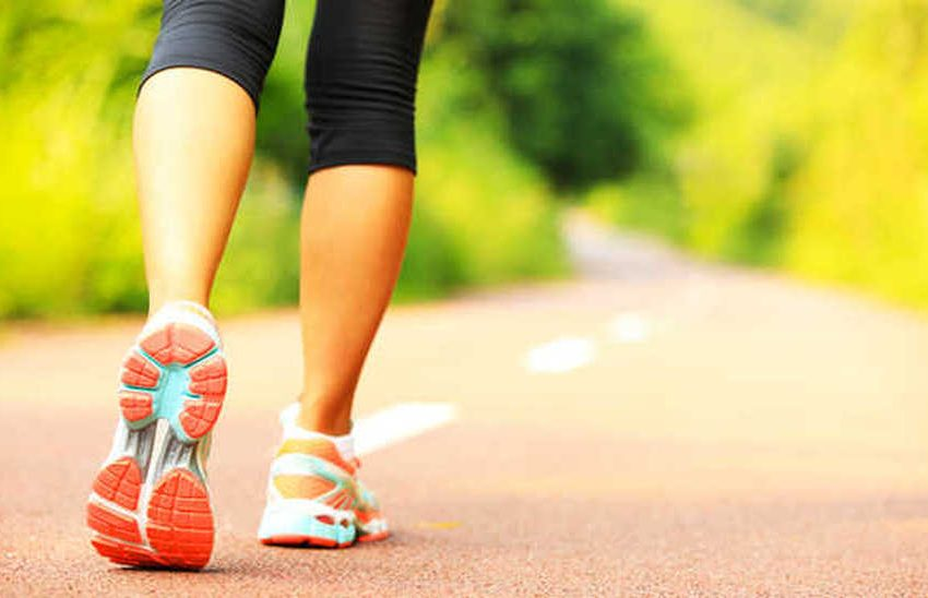 8 Proven Health Benefits of Walking 60 Minutes A Day