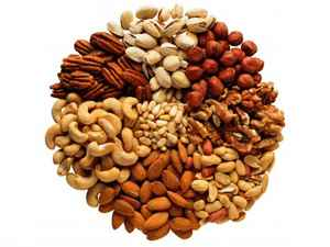 25 Unimaginable Health Benefits of Nuts and Dried Fruit