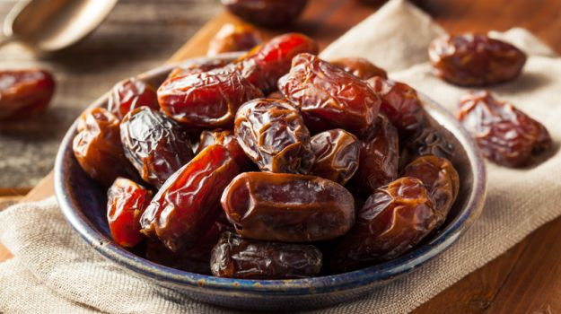 10 Health Benefits of Eating Dates in Pregnancy