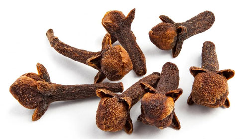 5 Unbelievable Benefits of Chewing Cloves for Teeth Health