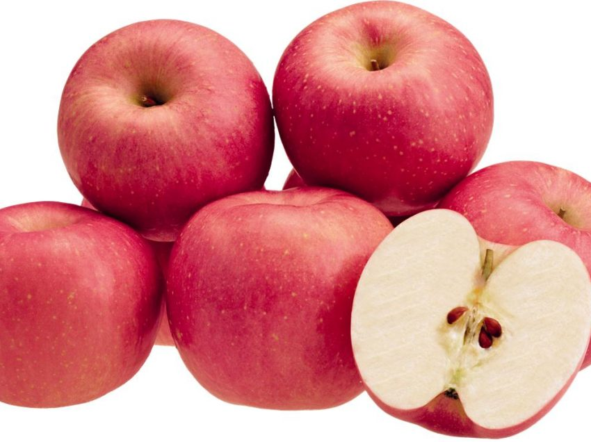 20 Great Health Benefits of Eating Apple before Bed Time