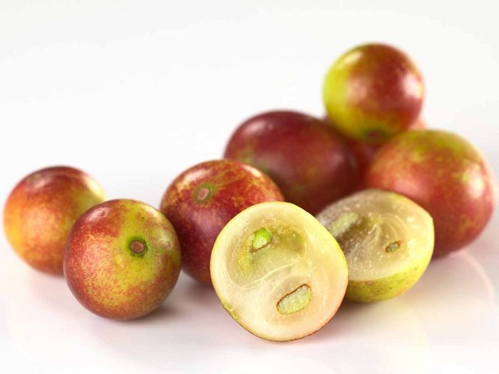 12 Health Benefits of Camu Camu – Natural Source of Vitamin C