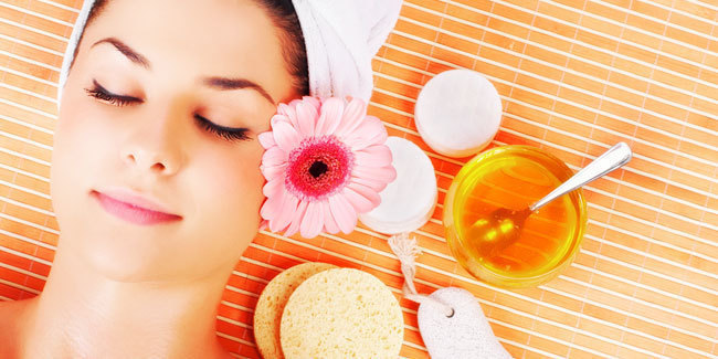 10 Super Benefits of Using Honey as a Face Wash