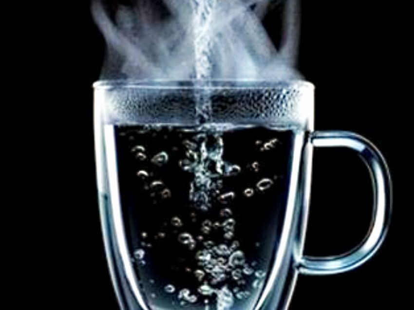 15 Health Benefits of Drinking Warm Water First Thing in the Morning