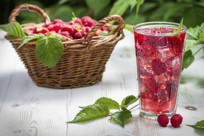 15 Powerful Health Benefits of Raspberry Juice on A Daily Basis