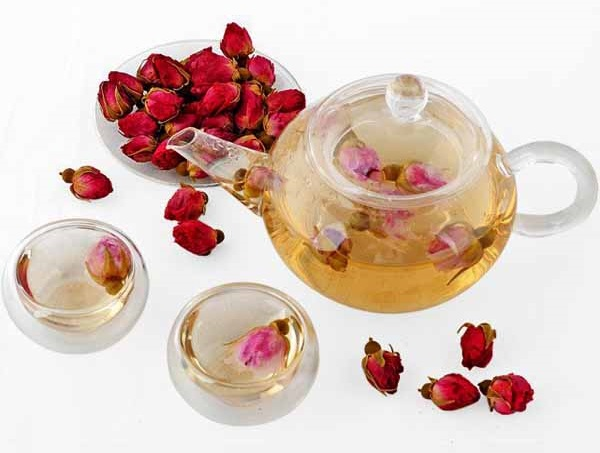20 Health Benefits of Drinking Red Rose Tea