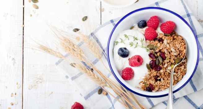14 Health Benefits of Muesli and Yoghurt – Perfect Breakfast Idea