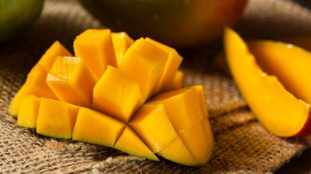 17 Amazing Health Benefits of Eating Mango at Night