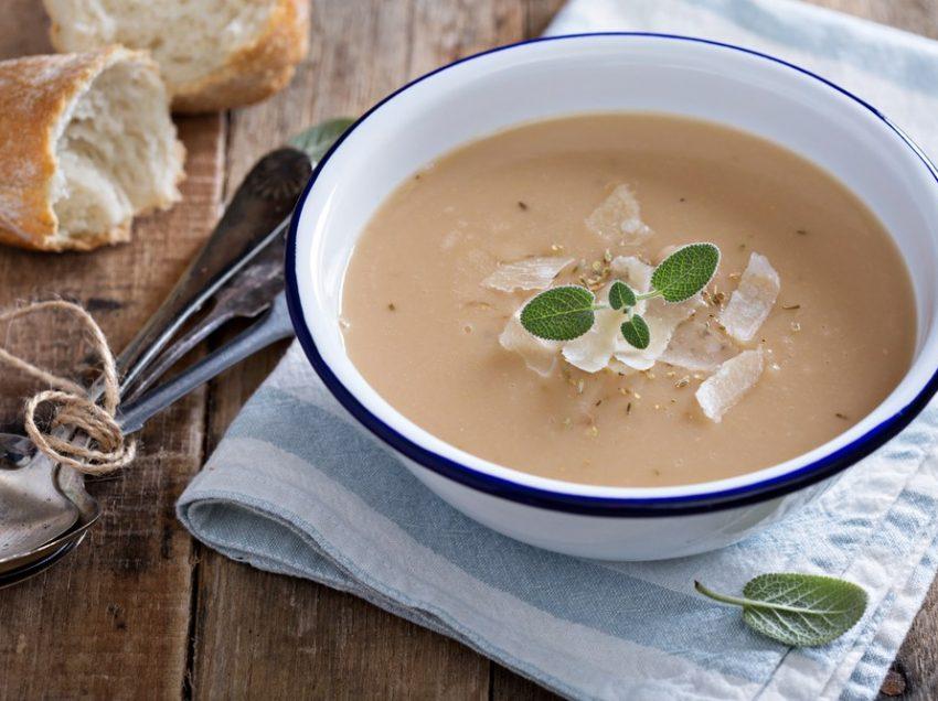13 Incredible Health Benefits of Eating Garlic Soup