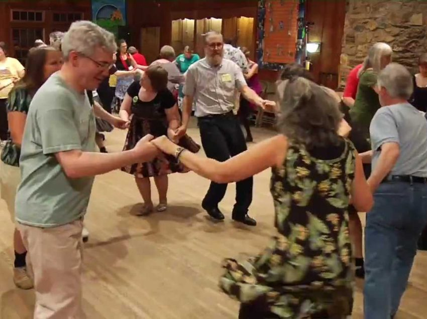 12 Health Benefits of Square Dancing – Mental and Physical Exercise