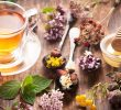 8 Health Benefits of Herbal Tea before Bed – Insomnia Remedy