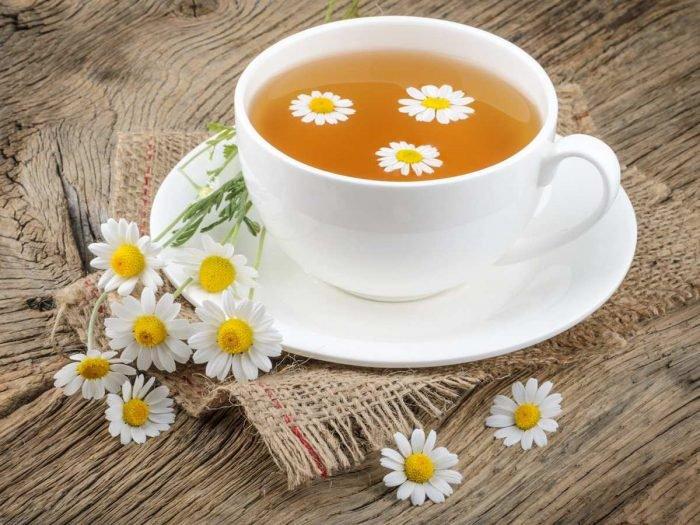 25 Relaxing Health Benefits of Herbal Chamomile Tea